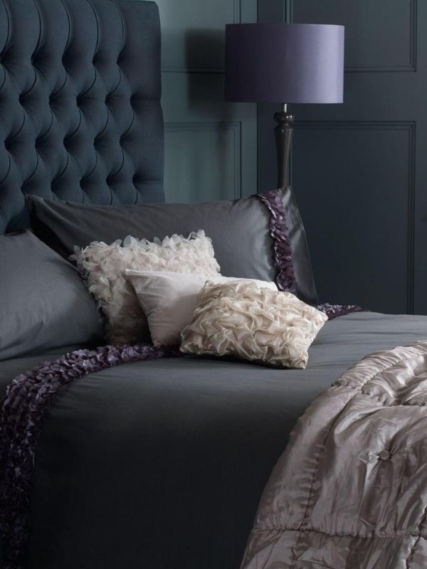 Tufted headboard in dark purple #headboard #bedroom #homedecor #decoratingideas #decorhomeideas