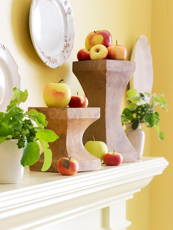 Apples on urns above mantel #falldecor #falldecorideas #livingroom #autumndecor #homedecor #decorhomeideas