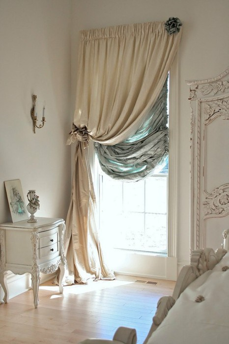 Rococo-inspired curtains