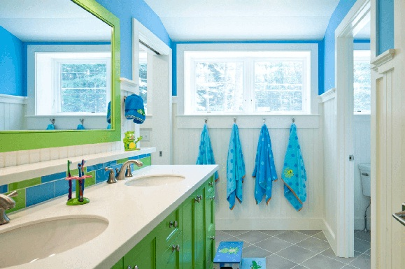 Bathroom in blue and green #bathroom #homedecor