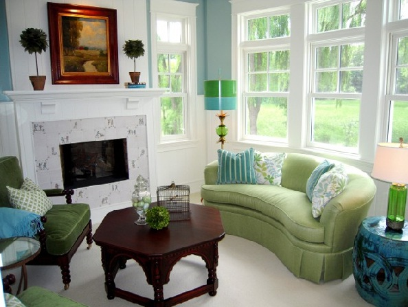 Blue-and-green color palette for a small living room #livingroom #homedecor