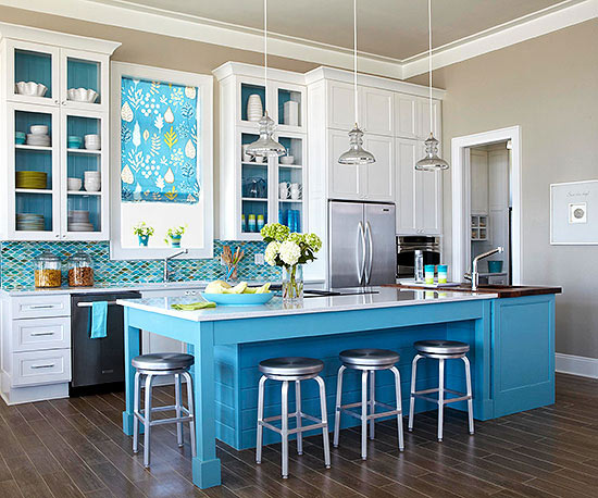 Beach-inspired backsplash