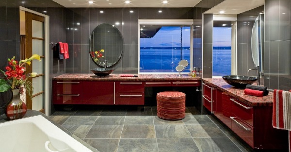 Bathroom in red and gray