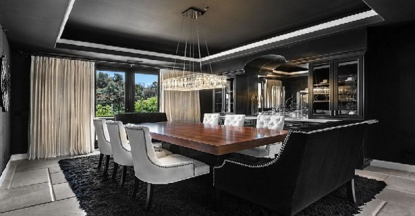 Stunning space in black