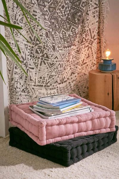Pink and black floor pillows #pillows #homedecor #decoration #decoratingideas #decorhomeideas