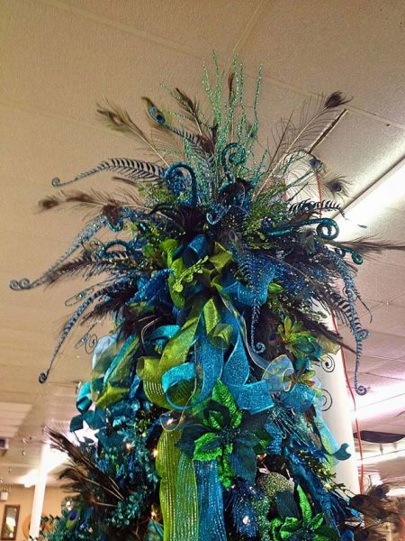 Beautifully Unusual Christmas Tree Toppers - Decor Home Ideas