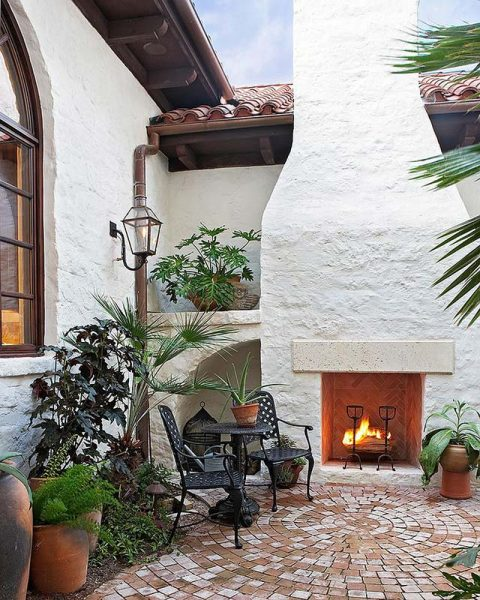Mediterranean fireplace in the backyard #fireplace #outdoor #homedecor #garden #patio #decorhomeideas