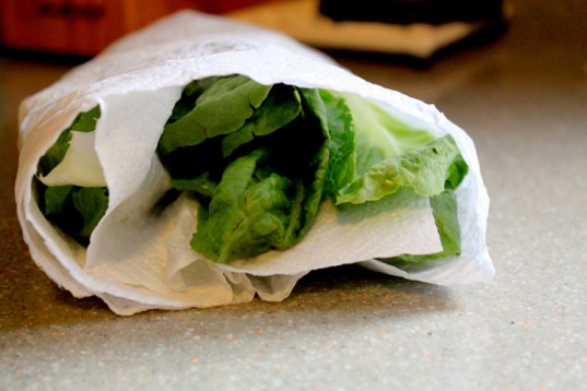 Wrap lettuce tips #storage #food #tips #kitchen #decorhomeideas