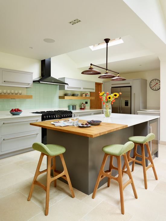 Minimal colorful design kitchen #kitchen #furniture #interiordesign #kitchenisland #seating #homedecor #decorhomeideas