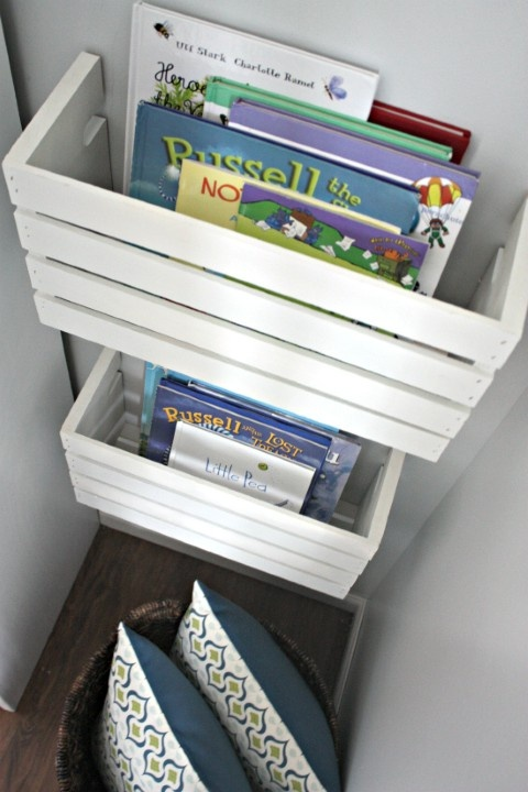 DIY wall storage for magazines and books #diy #storage #organization #organize #decoratingideas #homedecor #decorhomeideas