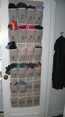 Scarf storage on the door idea #diy #storage #organization #organize #decoratingideas #homedecor #decorhomeideas