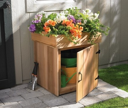 Storage box garden idea with top planter #diy #storage #organization #organize #decoratingideas #homedecor #decorhomeideas #gardens