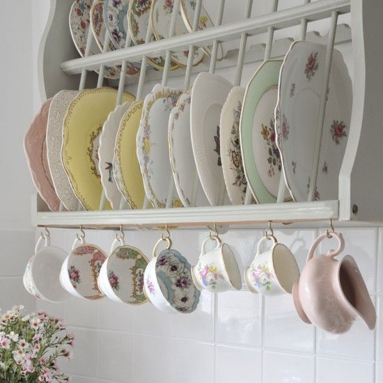Kitchen dishes storage ideas #diy #storage #organization #organize #decoratingideas #homedecor #decorhomeideas