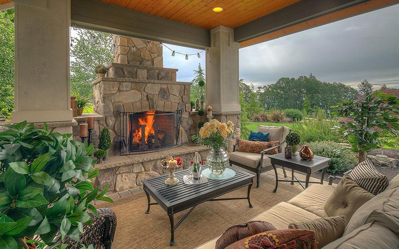 Patio design idea with fireplace and great view #patio #homedecor #backyard #furniture #garden #decoratingideas #decorhomeideas