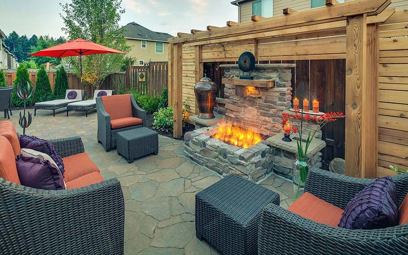Patio design with rectangular fireplace