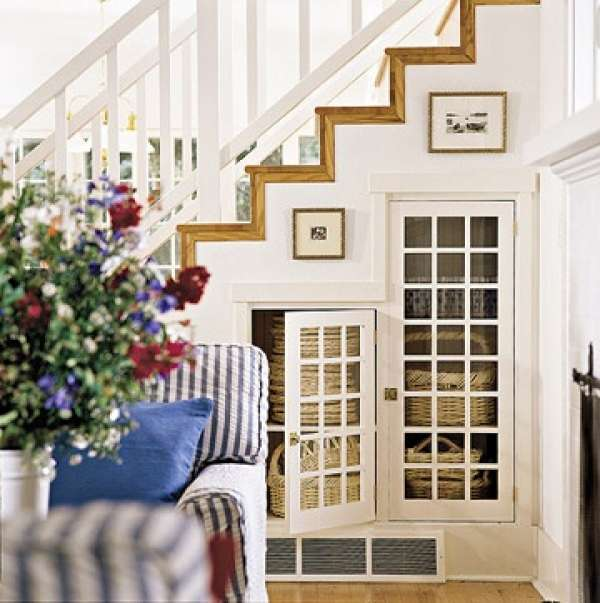 Under stairs storage ideas with glass doors #diy #storage #organization #organize #decoratingideas #homedecor #decorhomeideas