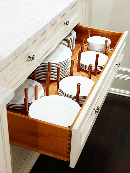 Dishes separation drawer storage idea. #kitchen #storage #organization #cupboards #cabinets #decoratingideas #decorhomeideas #drawer