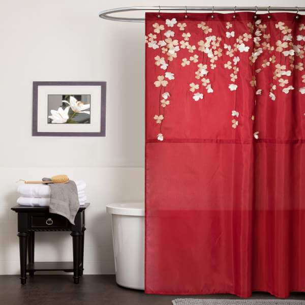 Red bathroom flower curtain #bathroom #red #decor #accessories #homedecor #decorhomeideas