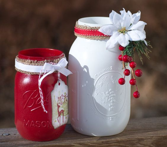 Amazing painted mason jars Christmas decor #xmas #x-mas #christmas #christmasdecor #christmasjars #jars #decoration #christmasdecorations #decoratingideas #festive #decorhomeideas