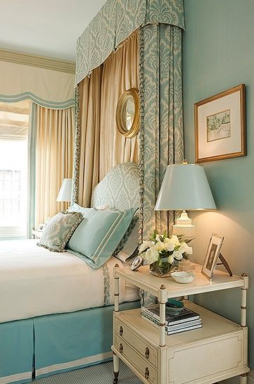 Aqua print fabric headboard bed style #headboard #bedroom #homedecor #decoratingideas #decorhomeideas