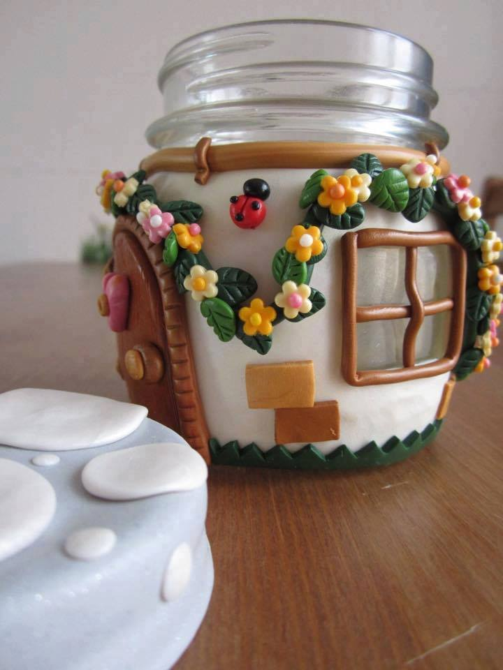 Awesome hut like jar idea #jars #recycledjars #decoratingideas #homedecor #decorating #diy #home #decorhomeideas