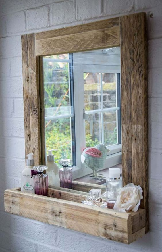 Beautiful pallet made bathroom mirror idea #pallet #mirror #pallets #diy #old #furniture #makeover #repurpose #wooden #wood #decoratingideas #decorhomeideas