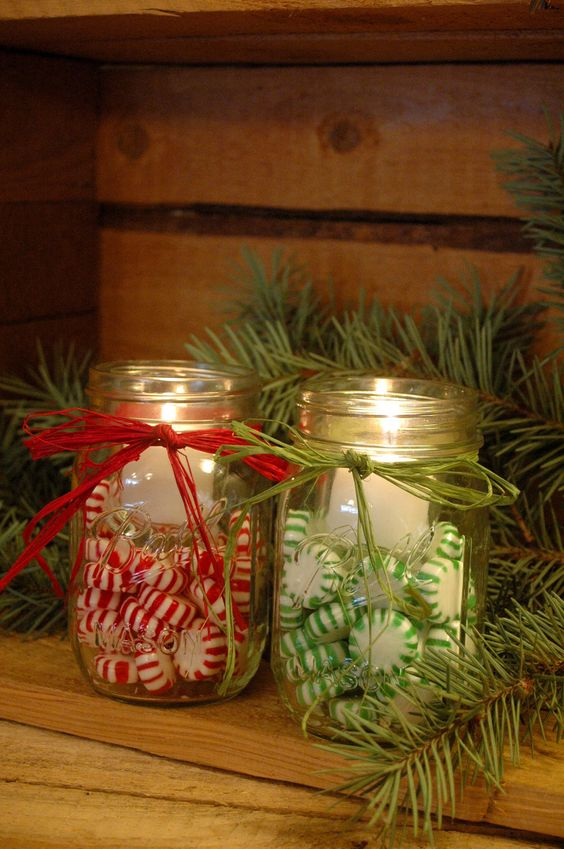 Candy filled jar candles idea #xmas #x-mas #christmas #christmasdecor #christmasjars #jars #decoration #christmasdecorations #decoratingideas #festive #decorhomeideas