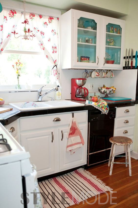 charming white vintage kitchen design