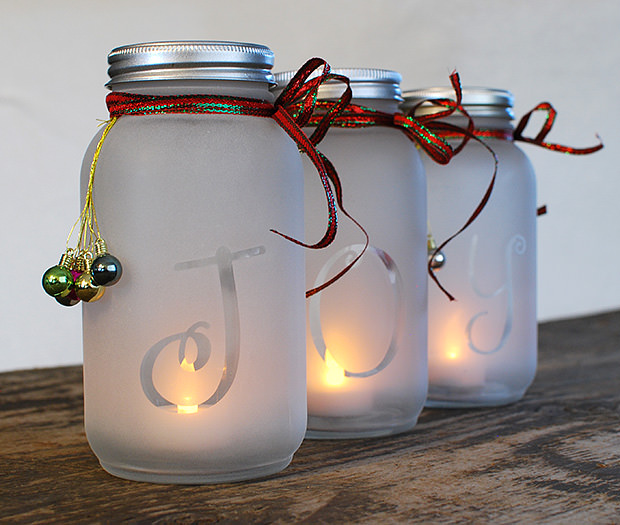 Christmas mason jar holiday luminaria #xmas #x-mas #christmas #christmasdecor #christmasjars #jars #decoration #christmasdecorations #decoratingideas #festive #decorhomeideas