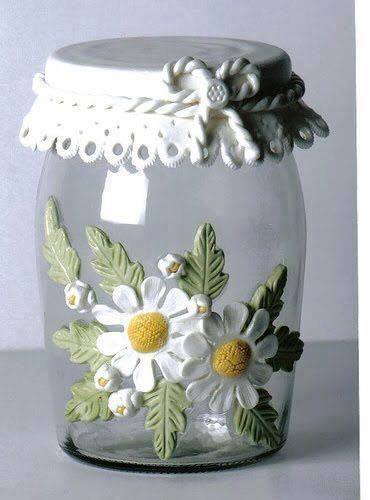 Flowers decoration jar idea #jars #recycledjars #decoratingideas #homedecor #decorating #diy #home #decorhomeideas
