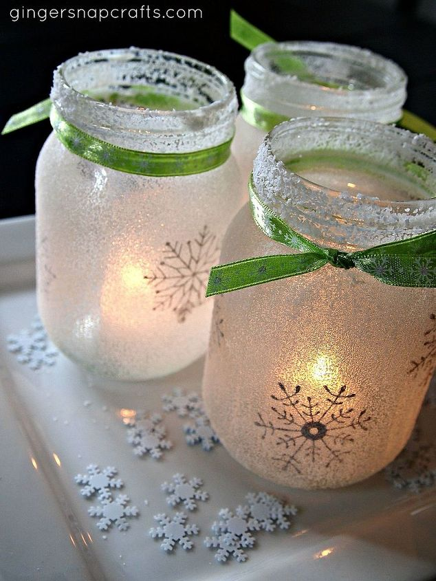 Frozen look Christmas jar idea #xmas #x-mas #christmas #christmasdecor #christmasjars #jars #decoration #christmasdecorations #decoratingideas #festive #decorhomeideas