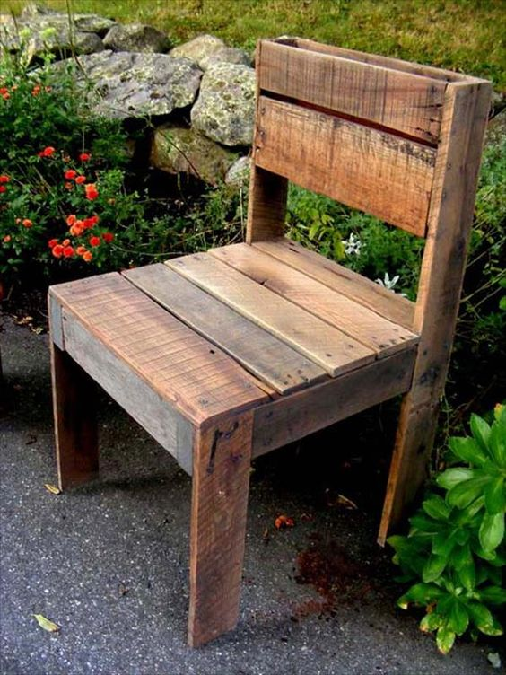 great pallet made chair idea