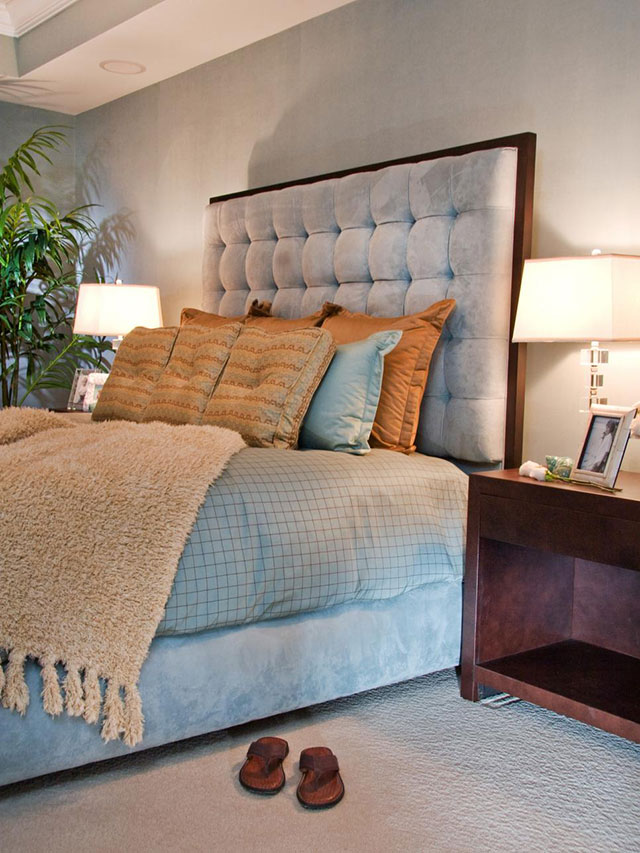Icy blue tufted headboard idea #headboard #bedroom #homedecor #decoratingideas #decorhomeideas