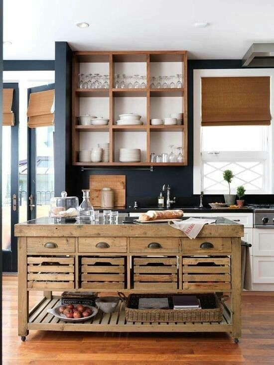 Kitchen island made of pallets #pallet #diy #pallets #furniture #makeover #repurpose #wooden #wood #decoratingideas #decorhomeideas