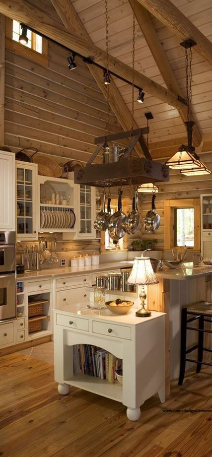 Lovely rustic wooden floor kitchen #kitchen #kitchendesign #floor #wooden #decoratingideas #homedecor #interiordecorating #decorhomeideas #rustic