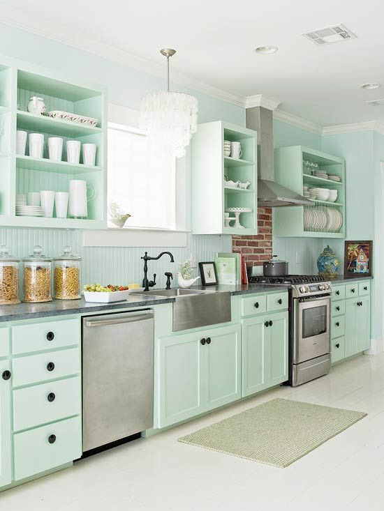 Mint vintage kitchen decor idea #kitchen #vintage #color #bold #design #interiordesign #homedecor #decorhomeideas