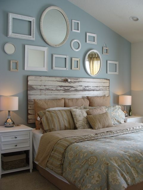 Old door headboard idea #headboard #bedroom #homedecor #decoratingideas #decorhomeideas