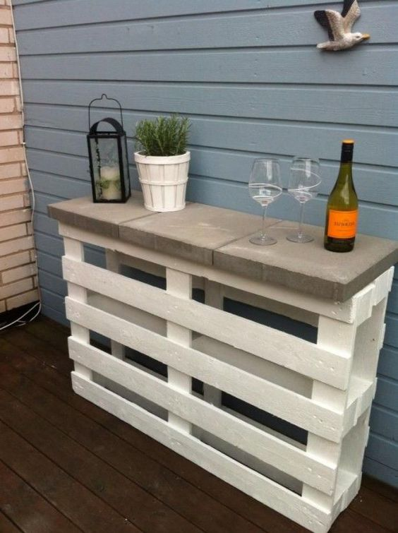Outdoor pallet bar idea #pallet #diy #pallets #furniture #makeover #repurpose #wooden #wood #decoratingideas #decorhomeideas