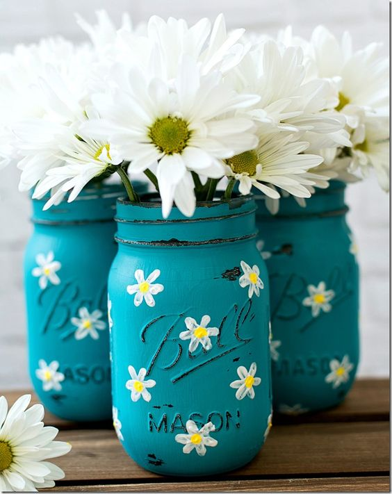 Painted mason daisy jar idea #jars #recycledjars #decoratingideas #homedecor #decorating #diy #home #decorhomeideas
