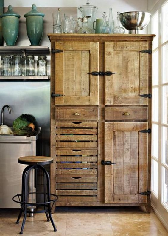 Pallet made cabinet kitchen idea #pallet #diy #pallets #furniture #makeover #repurpose #wooden #wood #decoratingideas #decorhomeideas