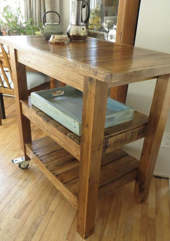 Pallet made kitchen island table idea #pallet #diy #pallets #furniture #makeover #repurpose #wooden #wood #decoratingideas #decorhomeideas