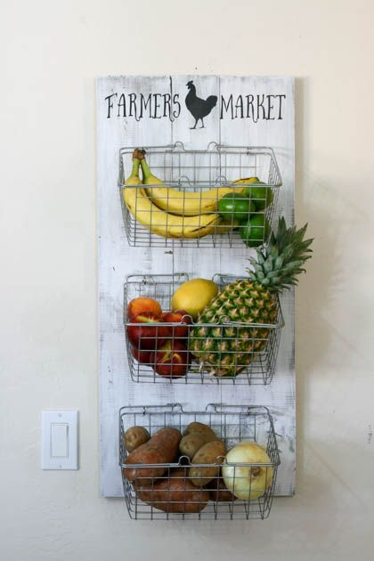 Pallet made kitchen storage shelf idea #pallet #diy #pallets #furniture #makeover #repurpose #wooden #wood #decoratingideas #decorhomeideas