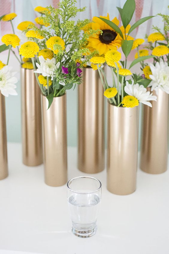 Pvc pipe gold vase idea #diy #pvcpipes #homedecor #decoratingideas #pvc #decorhomeideas