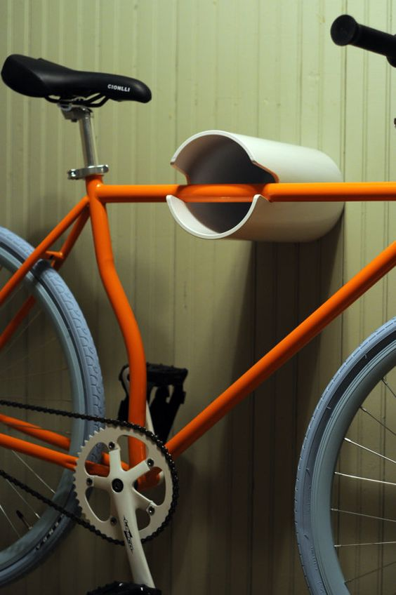 PVC pipe wall bike hanger idea #diy #pvcpipes #homedecor #decoratingideas #pvc #decorhomeideas
