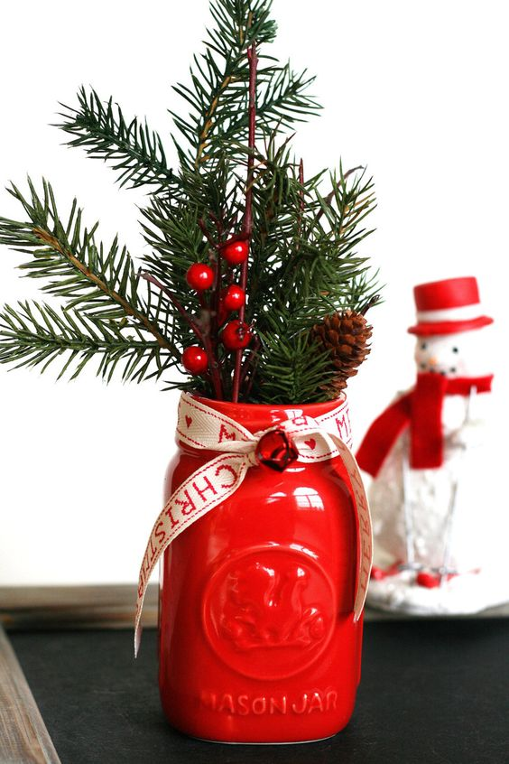 Red mason jar Christmas decor idea #xmas #x-mas #christmas #christmasdecor #christmasjars #jars #decoration #christmasdecorations #decoratingideas #festive #decorhomeideas