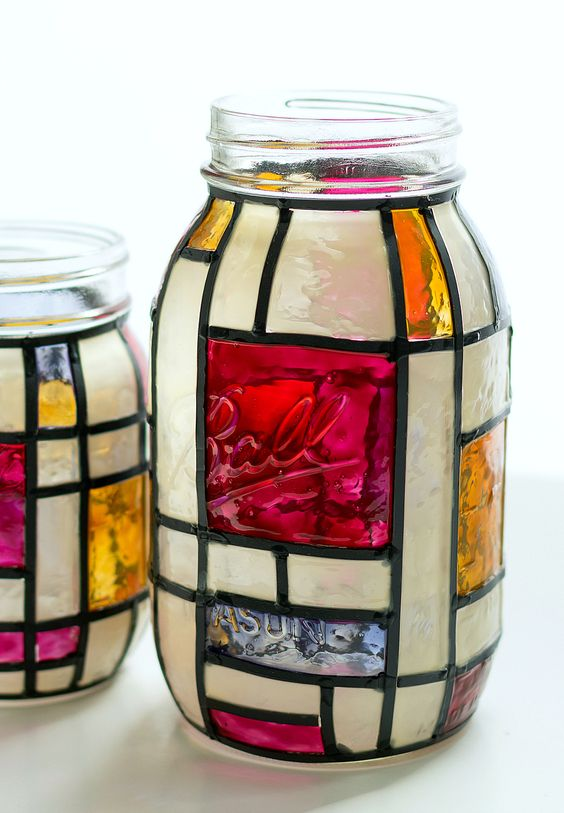 Stained glass mason jar #jars #recycledjars #decoratingideas #homedecor #decorating #diy #home #decorhomeideas