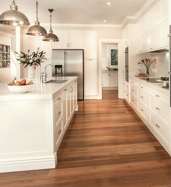 Wood floor white kitchen idea #kitchen #kitchendesign #floor #wooden #decoratingideas #homedecor #interiordecorating #decorhomeideas