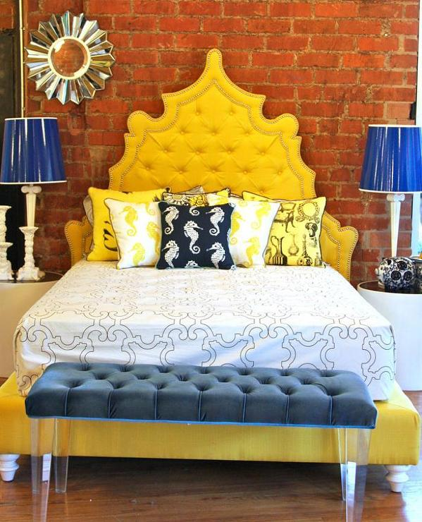Yellow headboard design idea #headboard #bedroom #homedecor #decoratingideas #decorhomeideas