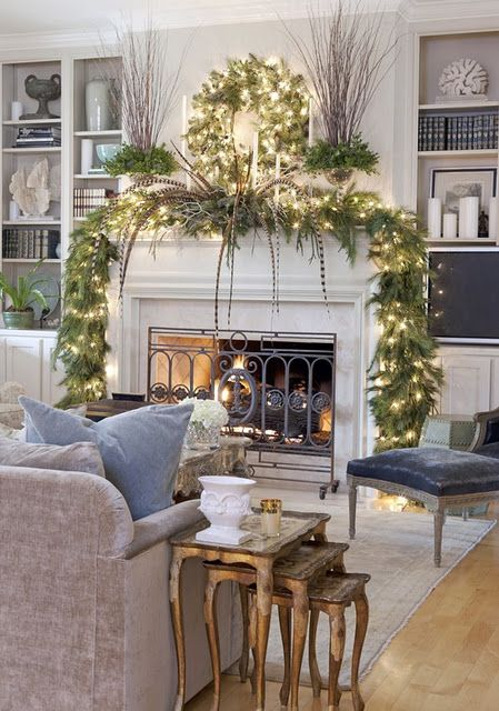 Amazing Christmas mantel decoration #xmas #x-mas #christmas #mantel #homedecor #decoratingideas #festive #decorhomeideas