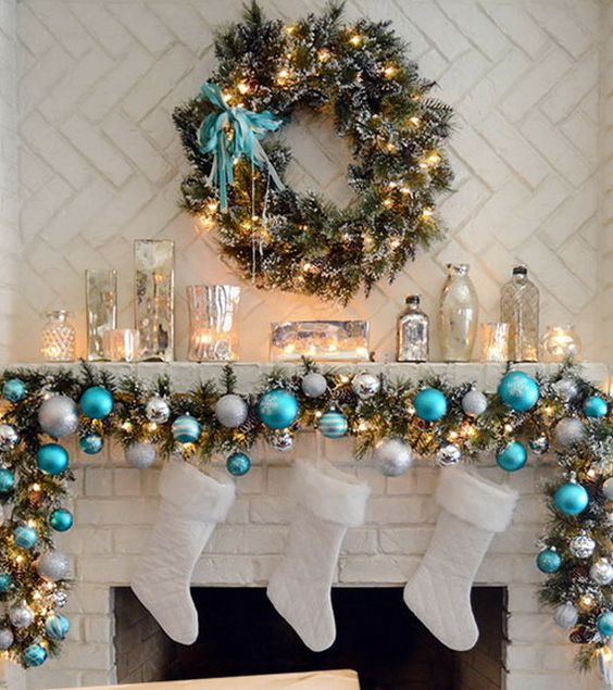 Blue elegant Christmas mantel decoration #xmas #x-mas #christmas #mantel #homedecor #decoratingideas #festive #decorhomeideas